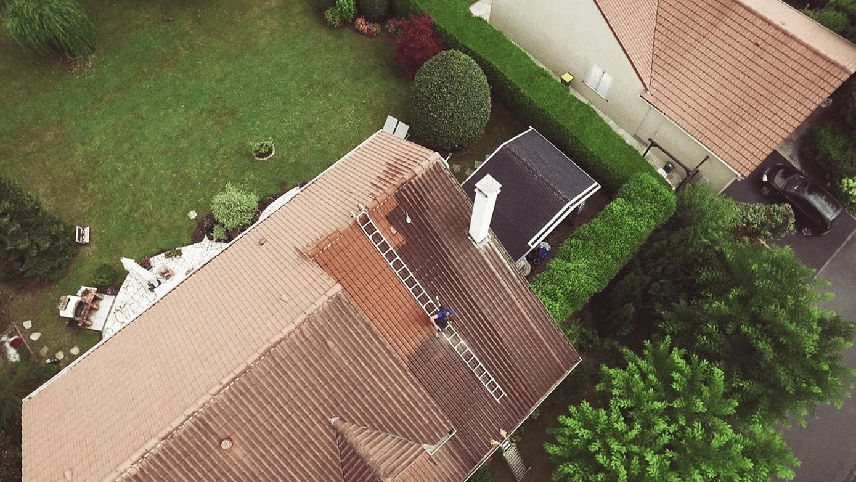 isocomble, nettoyagetoiture, dronevideo, droneentreprise, vueaerienneentreprise, toituredrone, droneservice
